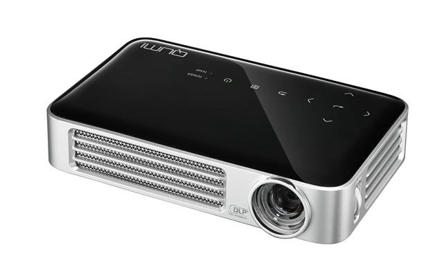 Vivitek Qumi Q6 800 Lumens LED Mini WiFi Projector
